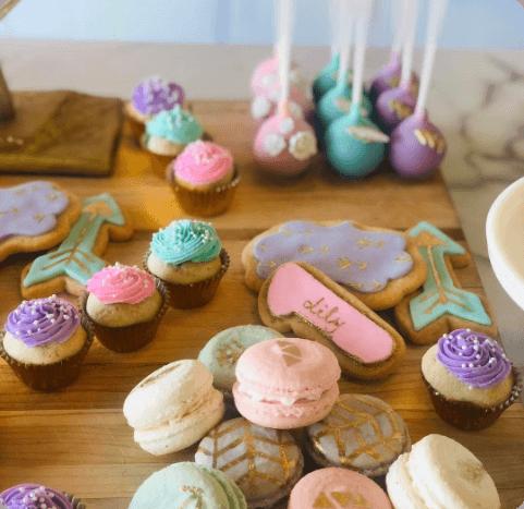 boho setup macarons biscuits popcakes