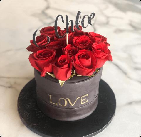 roseboxcake with caketopper